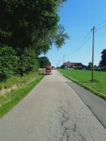 Baum auf Fahrbahn in Taubing am 01.07.2015